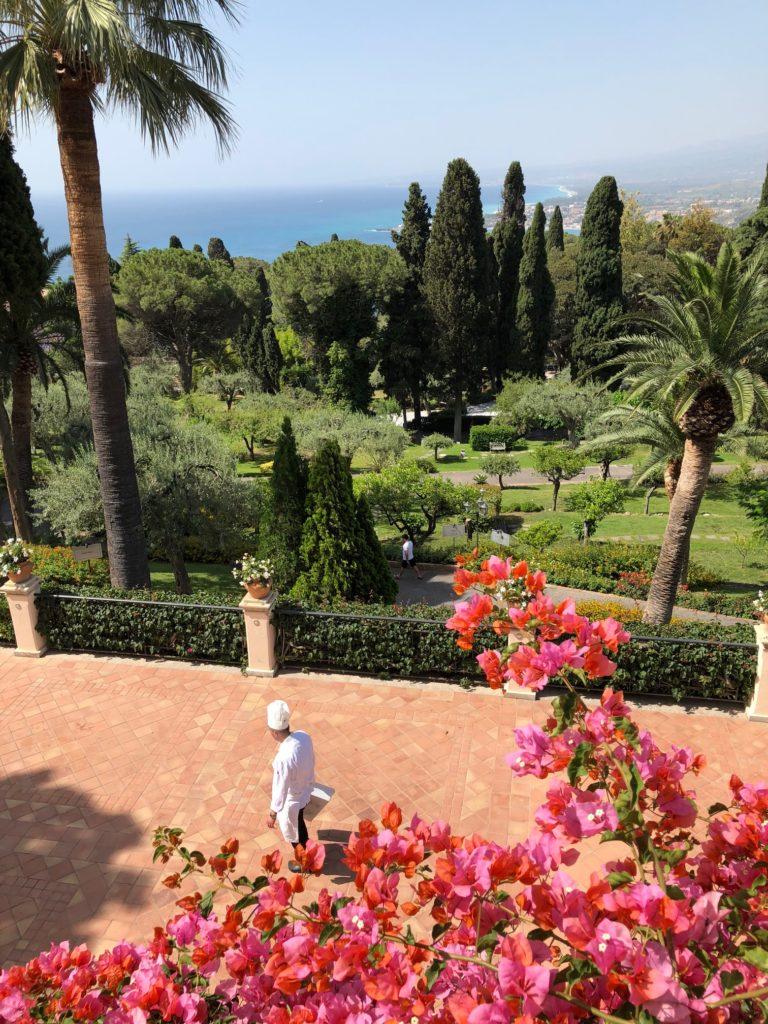 Elegant gardens perfect for wedding photoshoot